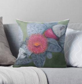 Macrocarpa Cushion